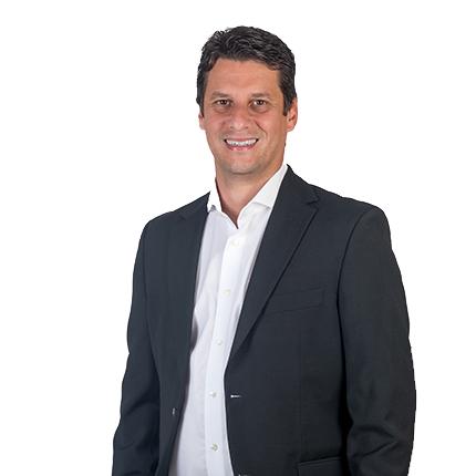 Alberto Anderada: Asesor inmobiliario de Inmotasa.