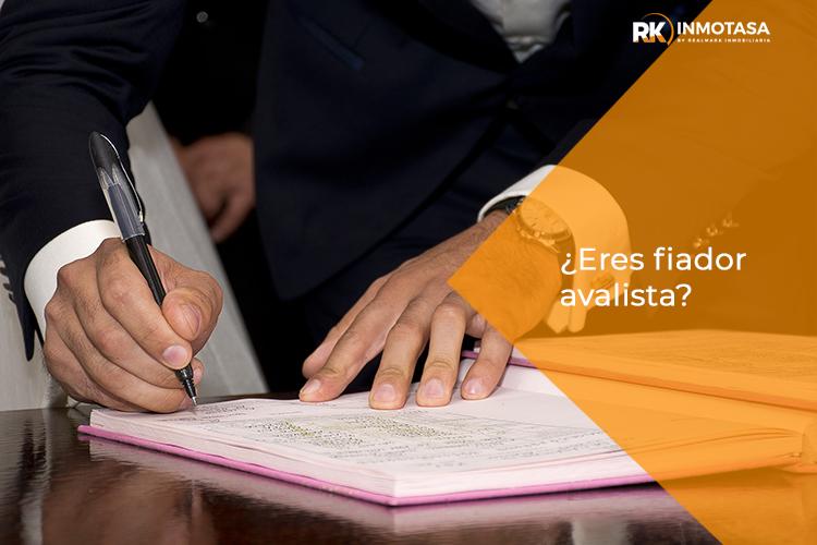 Fiador avalista firmando contrato